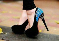 Azul y negro...