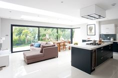 Bright living area/kitchen