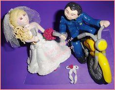 Raios de Alegria Artesanatos: Noivinho motoqueiro. Topo de bolo casamento.