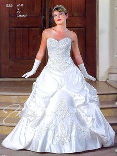 Wedding Dresses  932 Joyful Time!