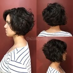 80 Bob Hairstyles To Give You All The Short Hair Inspiration - Hairstyles Trends Thick Curly Hair, Short Hairstyles For Thick Hair, Haircut For Thick Hair, Short Hair With Layers, Short Hair Cuts, Gorgeous Hairstyles, Medium Hair Styles, Curly Hair Styles, Hair Lengths
