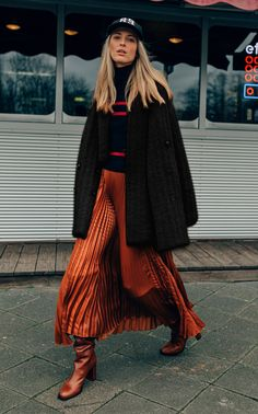 Get inspired and discover Dorothee Schumacher trunkshow! Shop the latest Dorothee Schumacher collection at Moda Operandi. Mid Length Dresses, Trench Dress, Luanna, Wool Blend, Rue, Autumn Winter Fashion, Turtle Neck, Cashmere, Street Style