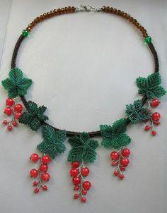 Perline collana di bacche di ribes rosso, collana bavaglino artigianali esclusivi, moda 2015, rosso, verde, marrone, natura stile gioielli, regalo per lei