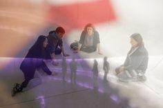 """Até dia 1º de junho, Sala Araucária do Museu Oscar Niemeyer (MON) exibe a peça """"piscina [...]"""". Enredo reflete sobre relação do artista com sua produção e seus objetivos. Para isso, coloca em cena artistas que se veem falidos após toda uma trajetória nas artes plásticas. Apresentações ocorrem de 4ª a 6ª feira às 19h,...<br /><a class=""""more-link"""" href=""""https://catracalivre.com.br/curitiba/agenda/barato/montagem-questiona-caminhos-que-a-arte-percorre-para-chegar-ao-sucesso/"""">Continue lendo…"""