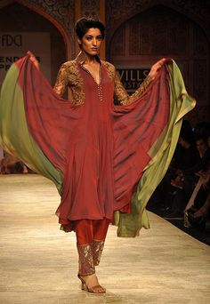 Manish Malhotra at Wills India Fashion Week A/W 2012