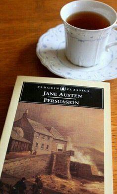En el #DíaInternacionalDeLaMujer nada más recomendable que leer cualquiera de los libros de las grandes escritoras que tenemos. Se me ocurren muchas, pero una de mis favoritas es Jane Austen.