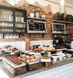 Pin van caitlyn shoppell op deli bakery in 2019 - cafe design, bakery shop Bakery Shop Interior, Bakery Shop Design, Cafe Interior Design, Contemporary Interior, Interior Ideas, Rustic Bakery, Bakery Decor, Modern Bakery, Vintage Bakery