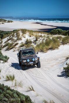 The 79 series Land Cruiser on a sand track. Camping Aesthetic, Travel Aesthetic, Beach Aesthetic, Land Cruiser 70 Series, Places To Travel, Places To Visit, Australian Road Trip, Summer Dream, Travel Goals