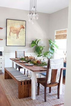autumn decor for dining room buffet table - Internal Home Design Farmhouse Style Dining Table, Dining Room Buffet, Dining Decor, Farmhouse Style Kitchen, Modern Farmhouse Decor, Farmhouse Kitchens, Kitchen Tables, Farmhouse Décor, Dining Rooms