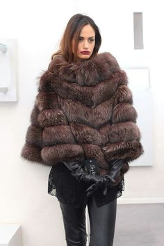fur fashion directory is a online fur fashion magazine with links and resources related to furs and fashion. furfashionguide is the largest fur fashion directory online, with links to fur fashion shop stores, fur coat market and fur jacket sale. Animal Fashion, Fur Fashion, Winter Chic, Autumn Winter Fashion, Fox Coat, Animal Print Outfits, Fur Clothing, Long Gloves, Vintage Fur