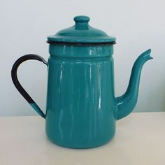 vintage enamelware teapot teal turquoise blue  looks more like a coffee pot to me