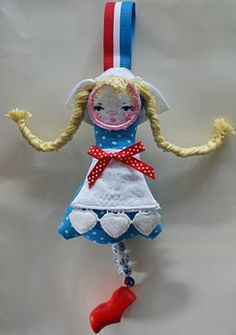 dutch dotee doll - make for Queens day?