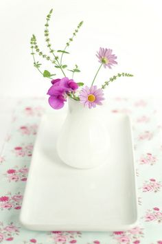 A small spray of pretty flowers makes all the difference