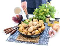 Las patatas Cajún y el pollo se preparan en bolsa de asar, así no se manchará nada el horno. Receta sencilla y fácil, para los que se inician en la cocina