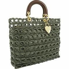 Best 12 RED Valentino Leather and Crochet Raffia Tote Bag Crochet Handbags, Crochet Purses, Crochet Bags, Broomstick Lace, Diy Handbag, Crochet World, Macrame Bag, Knitted Bags, Love Crochet