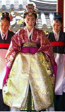 Korean Hanbok, Korean Dress, Korean Outfits, Baek Ji Young, Lee Young, Korean Traditional Dress, Traditional Clothes, Folk Costume, Costumes