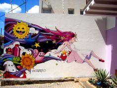 Lucy in the sky graffiti  by ~tintanaveia    Essa música dos Beatles já foi inspiração pra muita arte visual.  Este graffiti ficou show, mas eu sinto falta da psicodelia original...
