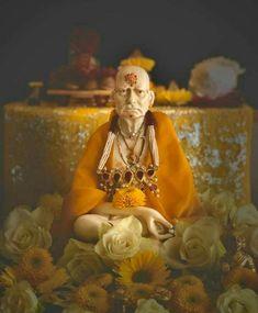 Shri Ganesh Images, Ganesha Pictures, Happy Ganesh Chaturthi Images, Marathi Calligraphy, Birthday Photo Banner, Swami Samarth, Sai Baba Photos, Shiva, Krishna