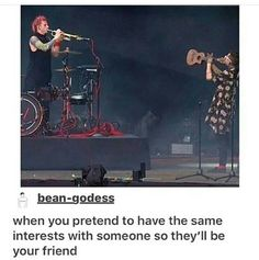 He did this at my concert !!! Band Memes, Tumblr Stuff, Top Memes, Funny Memes, Funny Quotes, Jokes, Hilarious, Laugh Out Loud, Pet Peeves