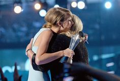 Best moment of the ACM awards: Taylor Swift receiving the Milestone Award from Andrea Swift