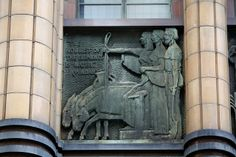 The Noblest of the Elements is Water (Pindar), by Stanley James Hammond.     The former Metropolitan Water, Sewerage & Drainage Board (MWS&D Board) building, 339-341 Pitt Street, Sydney.