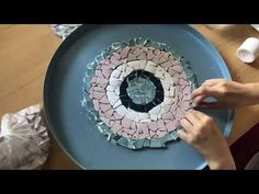 Mosaic Garden, Mosaic Art, Glass Painting Patterns, Diy Projects To Try, Diy Furniture, Ikea, Decorative Plates, Crafty, Make It Yourself