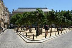 La place Dauphine et son square