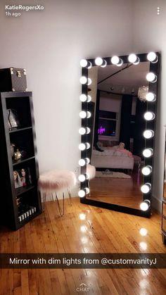 xoxo use my uber code to get 15 off your first ride Dekopub Cute Room Decor, Teen Room Decor, Room Ideas Bedroom, Bedroom Decor, 60s Bedroom, Zebra Bedrooms, Queen Bedroom, Bedroom Furniture, Nursery Decor