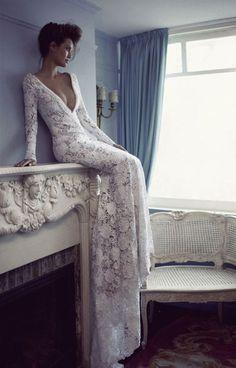 Длинное свадебное платье от Berta Bridal из тонкого французского кружева | смотреть фото цены купить