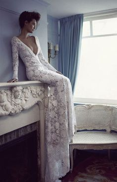 Длинное свадебное платье от Berta Bridal из тонкого французского кружева   смотреть фото цены купить