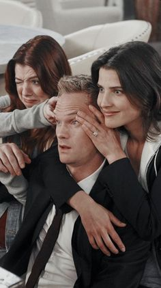 Collect badges and rewards from your favorite brands, teams or idols. Ted And Robin, Barney And Robin, Robin Scherbatsky, How I Met Your Mother, Series Movies, Tv Series, Ted Mosby, Cinema Tv, Himym