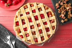 Perfect for spring and summer this Strawberry-Rhubarb Pie delivers a crave-worthy sweet tart flavor. When both rhubarb and strawberries are in season this is the pie you have to make! If pie isnt your thing we have Strawberry-Rhubarb Soup. Blueberry Rhubarb Jam, Rhubarb Crunch, Rhubarb Muffins, Strawberry Rhubarb Pie, Strawberry Recipes, Red Rhubarb, Rhubarb Coffee Cakes, Rhubarb Cake, Rhubarb Desserts