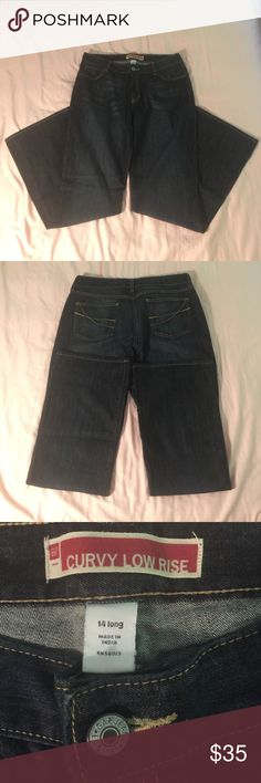 "Gap Curvy Low Rise Jeans Gap Curvy Low Rise Bootcut Jeans  EUC Wore only a handful of times. Size: 14 Long (34"" inseam) color: Dark Wash. These jeans are so soft & comfy & have nice stretch to them. GAP Jeans Boot Cut"