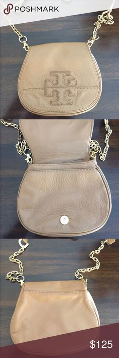 Tory Burch Tan Cross-Body w/ chain Bag Authentic, Personally Bought It From Tory Burch Store. Barely Been Used, In Great Condition. No Marks, Or Stains On The Bag. The Interior Is Clean With No Stains. Includes original dust bag Tory Burch Bags Crossbody Bags