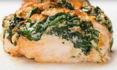 hasselback chicken with spinach and ricotta Poulet Hasselback, Hasselback Chicken, Baked Chicken, Real Food Recipes, Chicken Recipes, Cooking Recipes, Healthy Recipes, Healthy Cooking, Healthy Eating