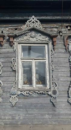Wooden Architecture, Russian Architecture, Architecture Design, Entrance Doors, Doorway, Porch Trim, Knobs And Knockers, House With Porch, Wooden House