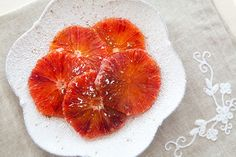moroccan orange dessert. simple and delicious. http://simplyrecipes.com/recipes/moroccan_orange_dessert/