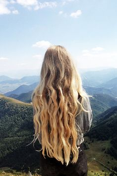 This is what I imagine my hair looking like until I pass a mirror and its completely disorganized. Mermaid fantasies