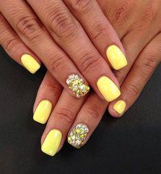 17 Trendy Yellow Nail Art Designs for Summer: #17. Faddish Yellow Nail Art