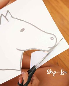 Make a unicorn stick horse for hours of fun! Just like a hobby horse but better because it is a cool unicorn. Craft Stick Crafts, Crafts To Do, Crafts For Kids, Craft Ideas, Templates Printable Free, Free Printables, Unicorn Hobby Horse, Horse Template, Stick Horses