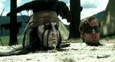 Johnny Depp nimmt lebenden Skorpion in den Mund