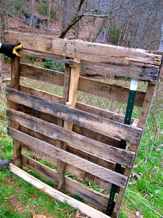10x10 pallet shelter: 9 std pallets (48x40) plus more if you make a solid back, 3 cattle panels, 9 tposts, 20x15 tarp = kidding stall, or kid pen for babies separate from mother