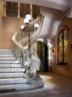 Art Nouveau Staircase at the Casa enric llorens de Grau in Barcelona, Spain photo by Schwarze Sonne Aesthetics Art Nouveau Architecture, Amazing Architecture, Architecture Details, Palaces, Beautiful Homes, Beautiful Places, Art Deco, Stairway To Heaven, Spain And Portugal