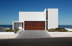House in the Dunes - A South African #house makes the most of a fabulous site and a limited budget.