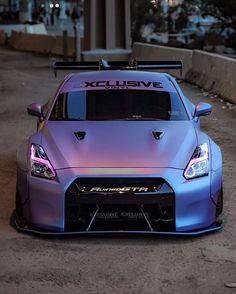 Nissan Skyline GT-R Modified Slammed Bagged WideBody Flares