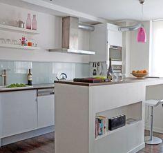Une cuisine semi-ouverte au profil moderne et lumineux - Cuisine semi-ouverte : bonnes idées à suivre - CôtéMaison.fr