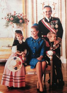 Prince Rainier III, Princess Grace, Princess Caroline & Prince Albert of Monaco. Pretty picture for Princess Grace.