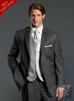 charcoal grey tux (groom with charcoal grey jacket and pants vest and tie lighter grey. Groomsman and ushers all with charcoal grey) Grey Tuxedo Wedding, Charcoal Wedding, Wedding Suits, Wedding Tuxedos, Wedding Groom, Wedding Attire, Wedding Vest, Wedding Dinner, Groomsmen Grey