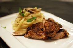 Keittotaiteilua: Grillatut viiriäiset ja sherrysipuli-sienipasta