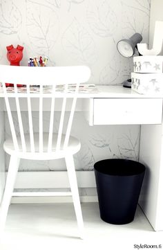 koulupöytä,mustavalkoinen,lastenhuone